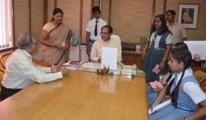 CREW-School Children-Madhya Pradesh Chief Minister